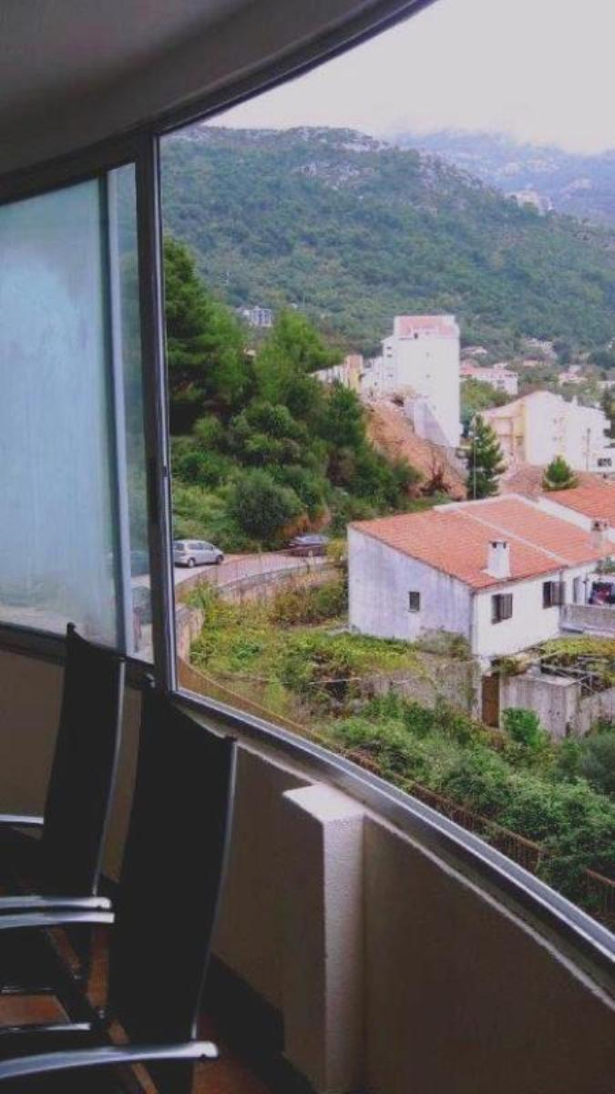 3 bedroom apartment in central part of Budva