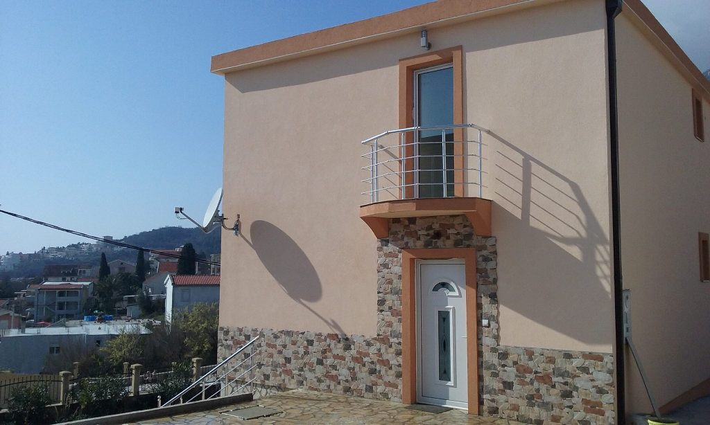 Brand new villa with sea view
