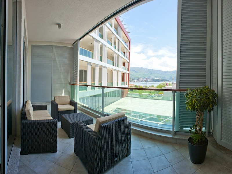 RENTAL BUSINESS FOR SALE IN BUDVA: Fully furnished  2-bedroom apartment in a 4* hotel in  TQ Plaza