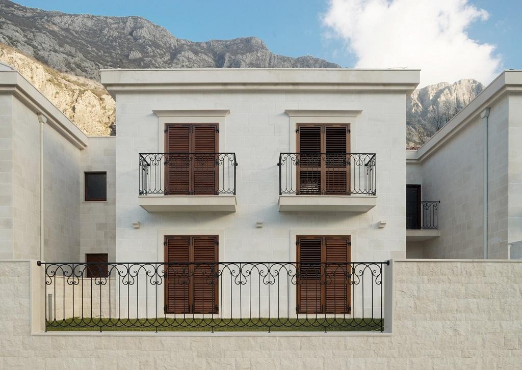 Waterfront villa located in community in Boka Kotorska