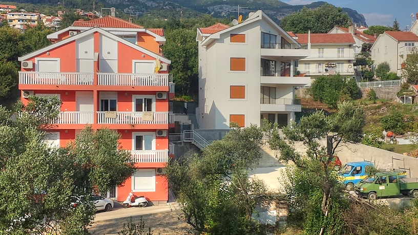 1 bedroom apartment in new building in Boka Kotorska