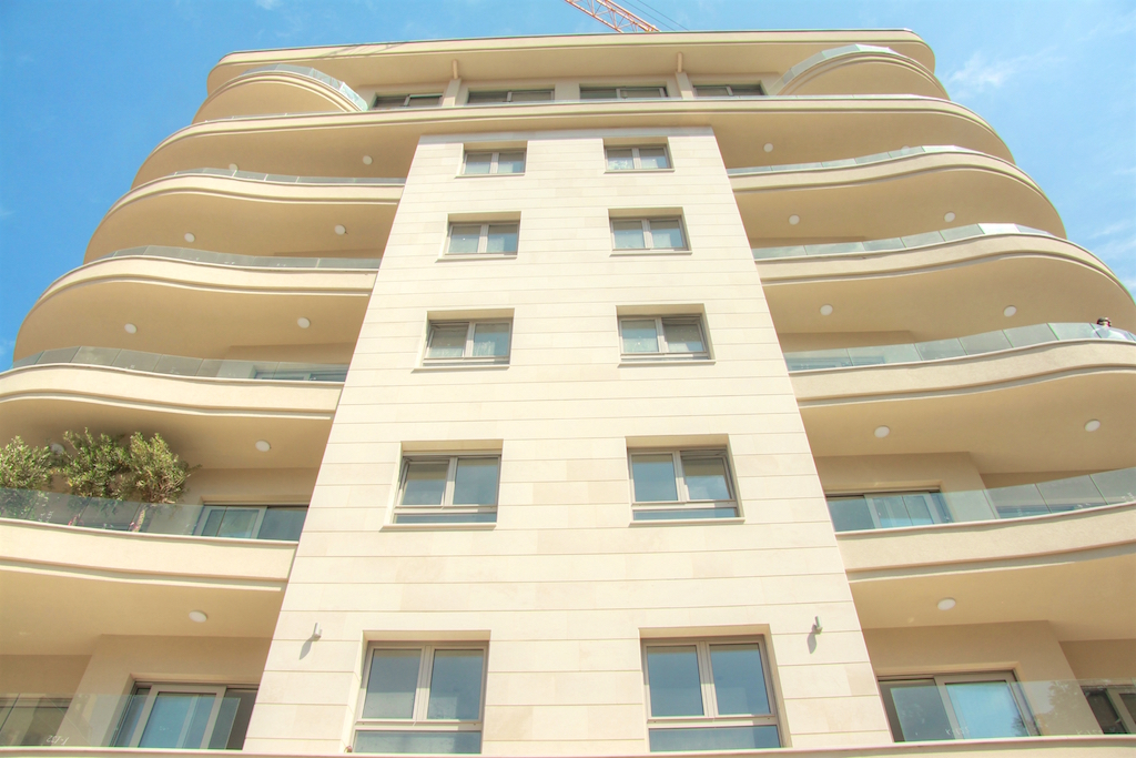 Apartment in new premium building in the quiet center of Budva