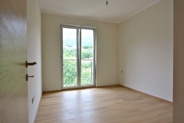 Flat with great mountain view in Becici