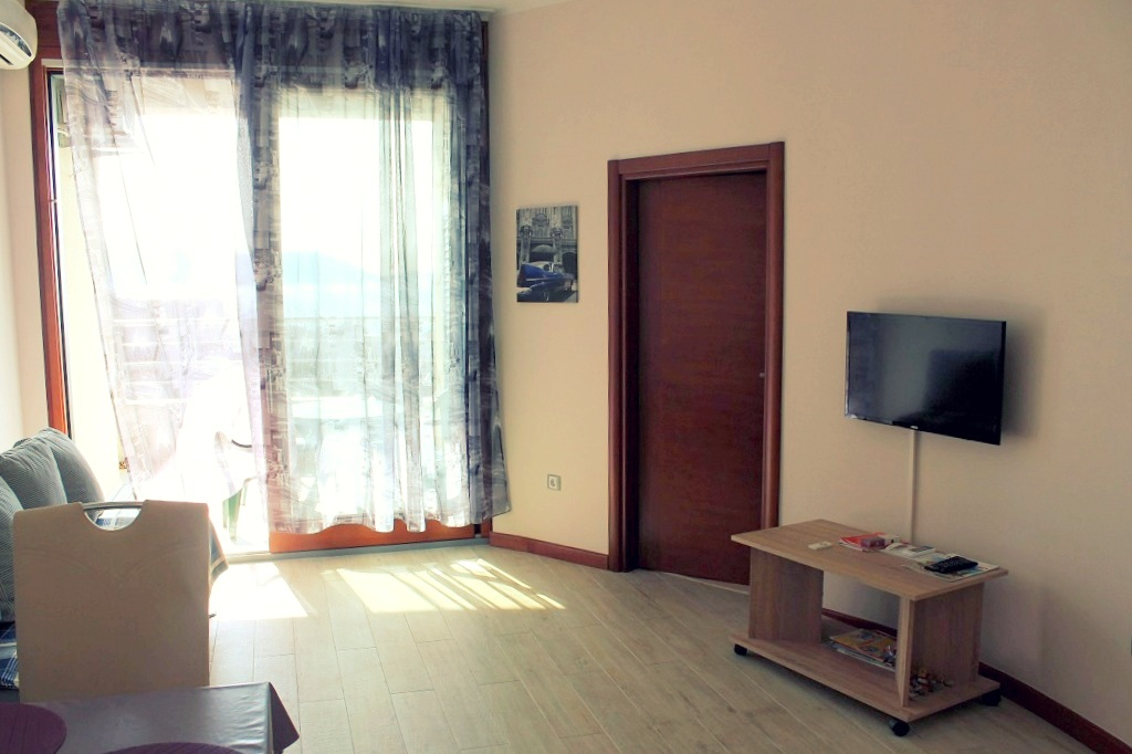 1 bedroom apartment with sea view in Herceg Novi