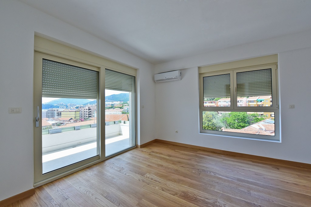2 bedroom apartment with sea view in new building