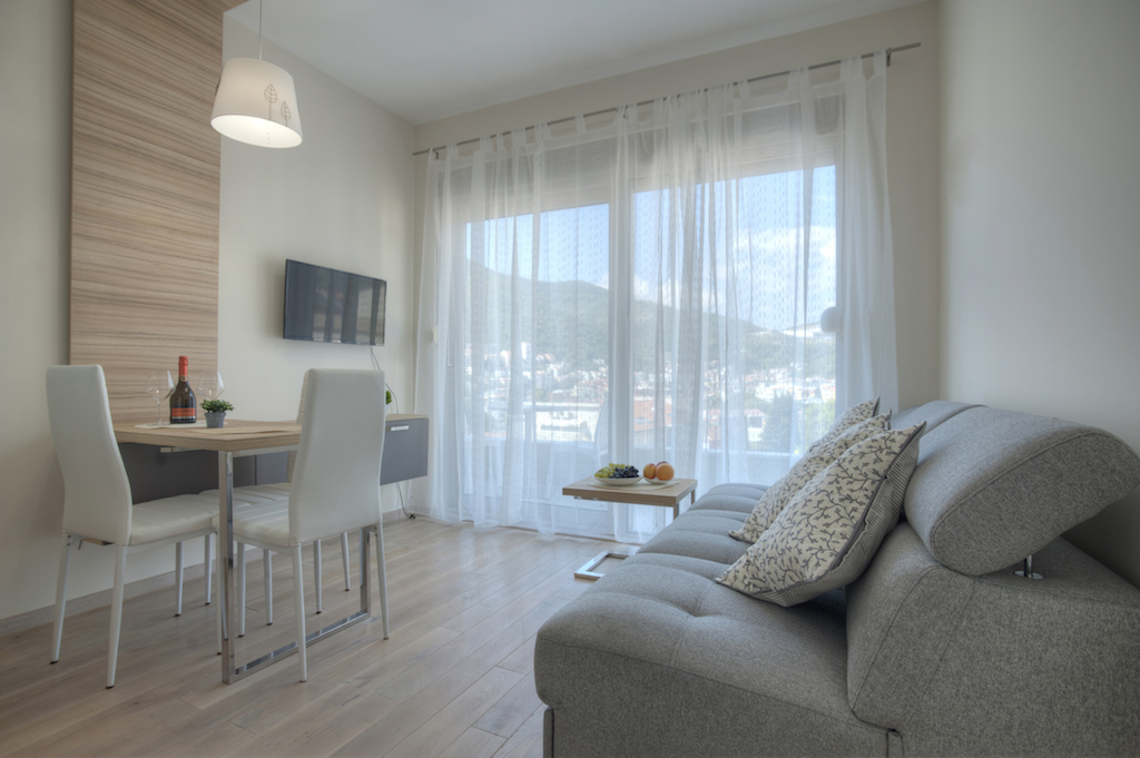 Apart-hotel with 6 rooms in the center of Budva