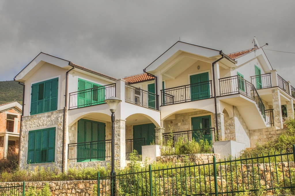 5 bedroom villa in gated community