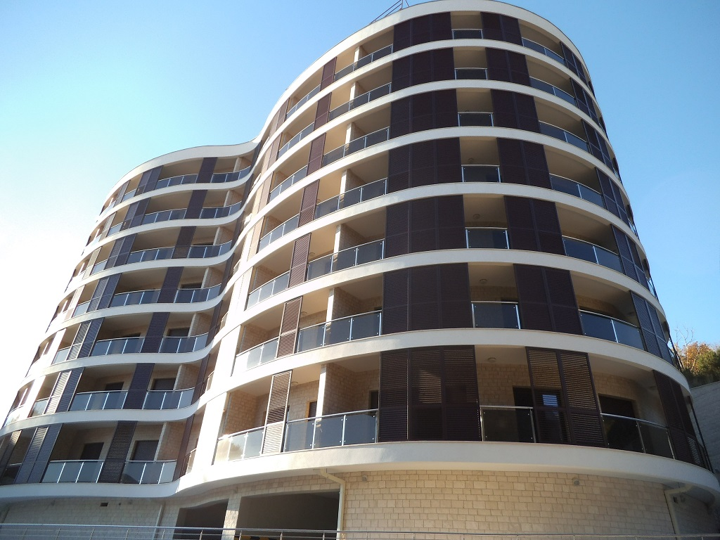 1 bedroom apartment in new residential building in Becici