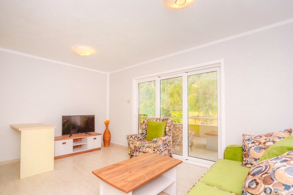 Hot offer! Apartment in the center of Petrovac