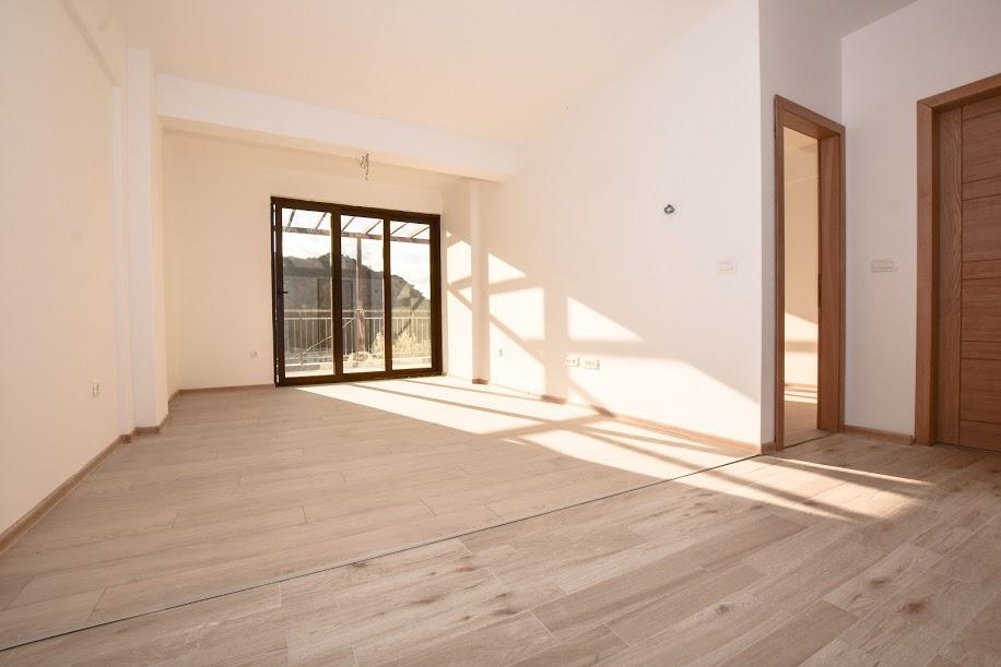 Apartment in waterfront condo complex, Rafailovici