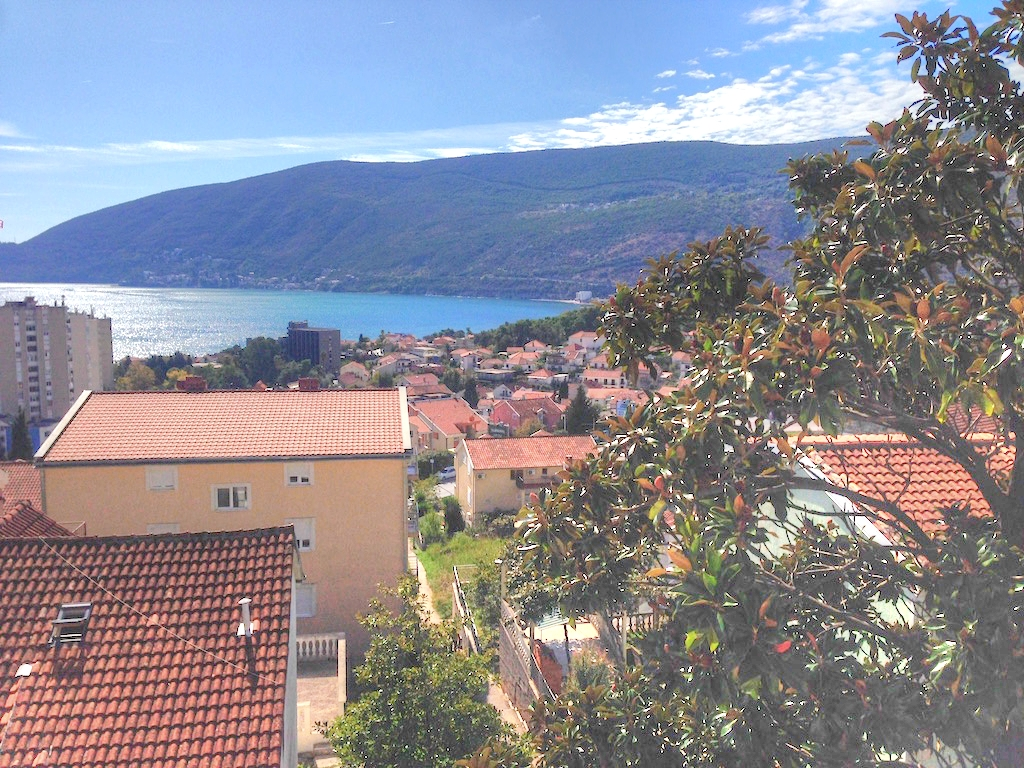 Apartments in the new house in Igalo, Herceg Novi