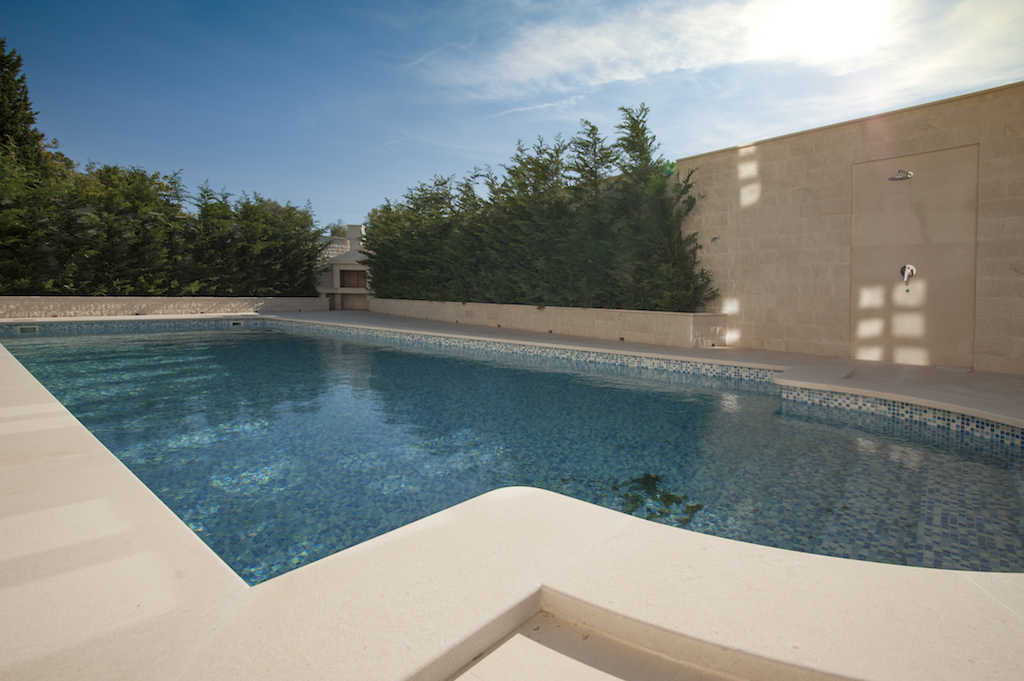 Splendid villa with outdoor pool