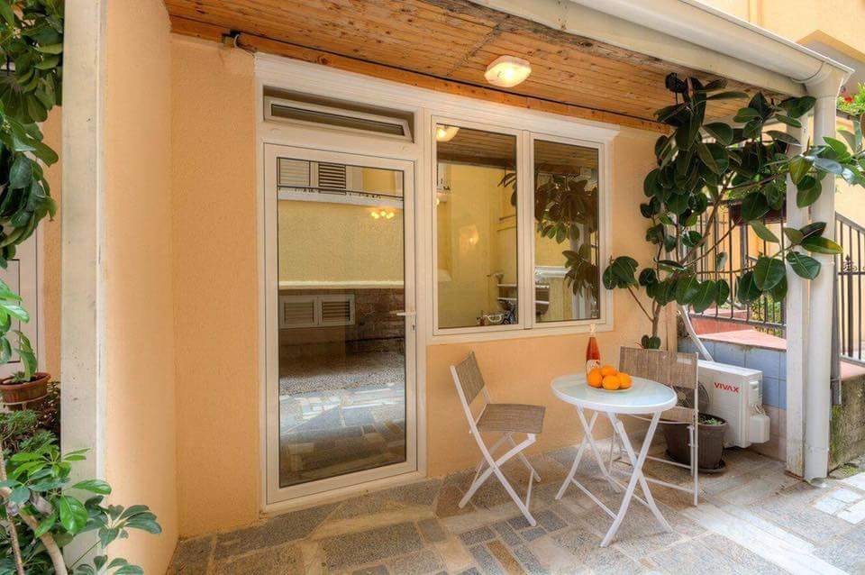 Cozy studio apartment in Budva