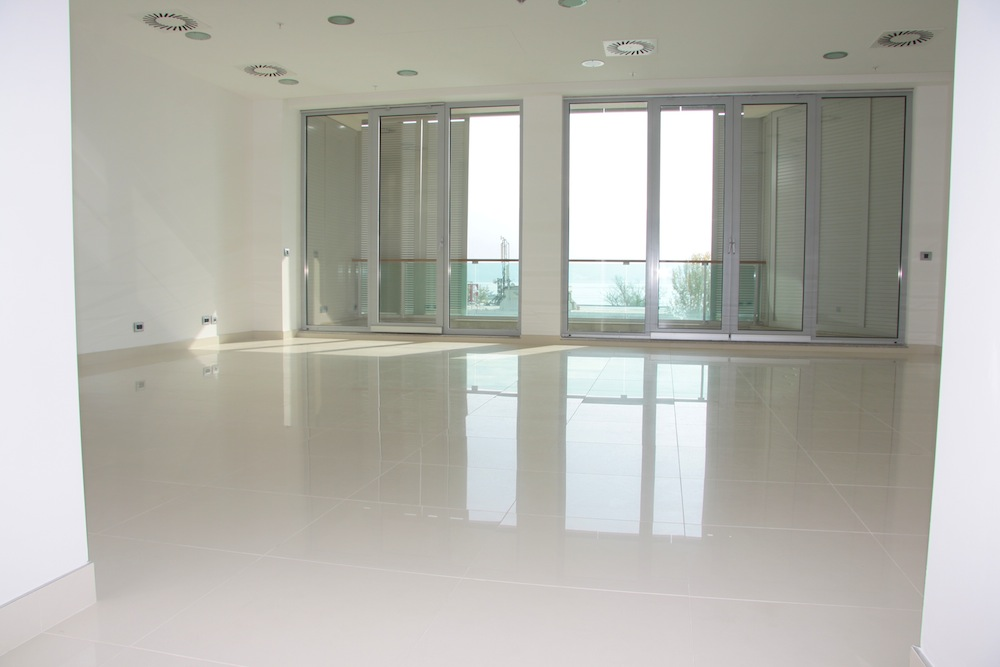 Commercial premises for sale in a 4* hotel in TQ Plaza, Budva