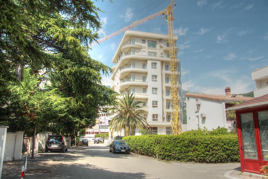 Commercial premises in the center of Budva from property developer