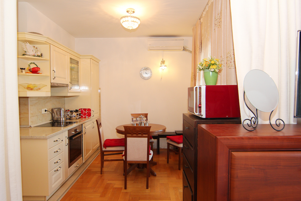 Lovely one-bedroom apartment in the very center of Tivat