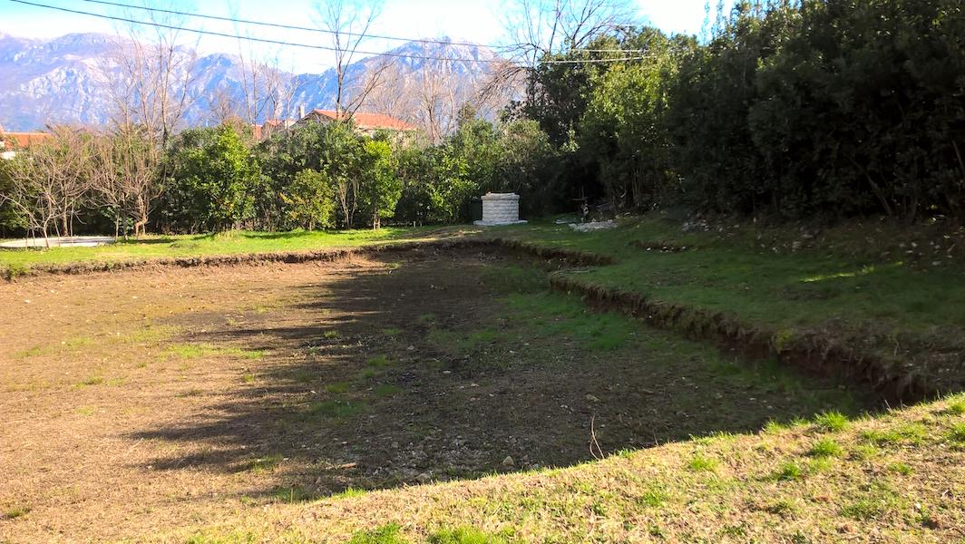 Urbanized land plot in Morinj for house construction