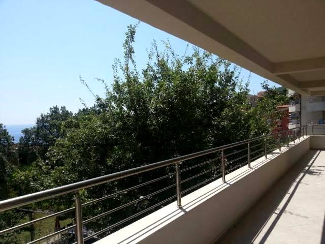 Apartment in the new condo complex in Petrovac