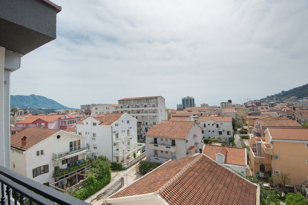 Spacious apartment in the center of Budva