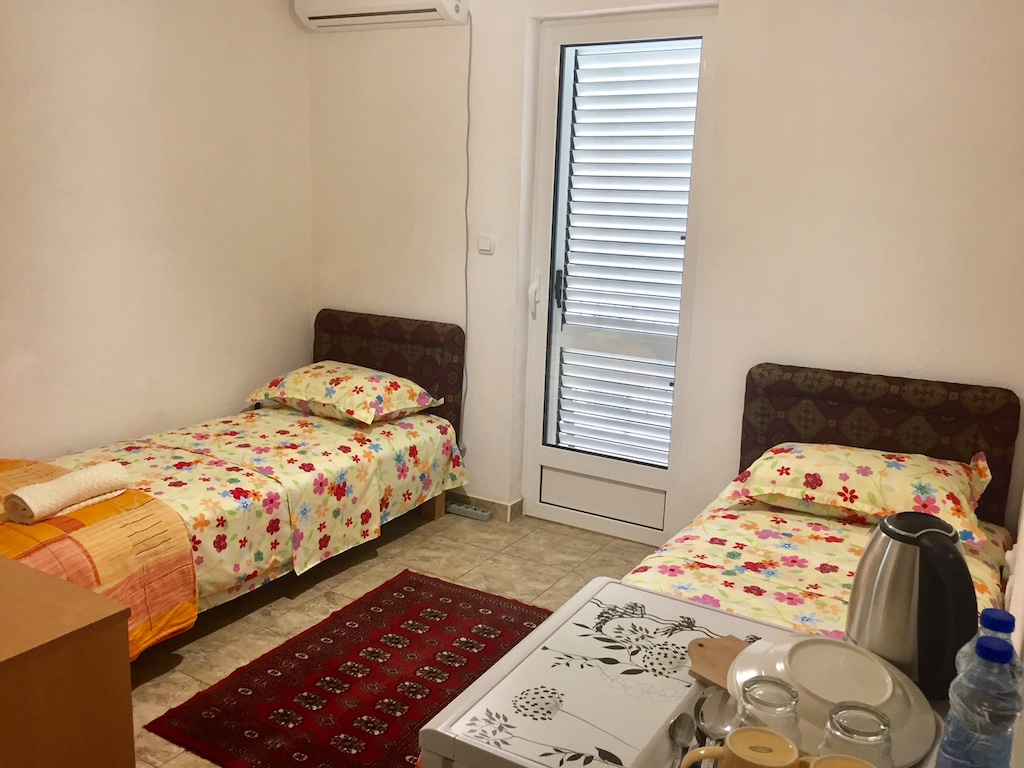 Guest house within 120 m from the beach in Meljine