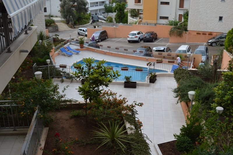 Apartment in a residential development with swimming pool