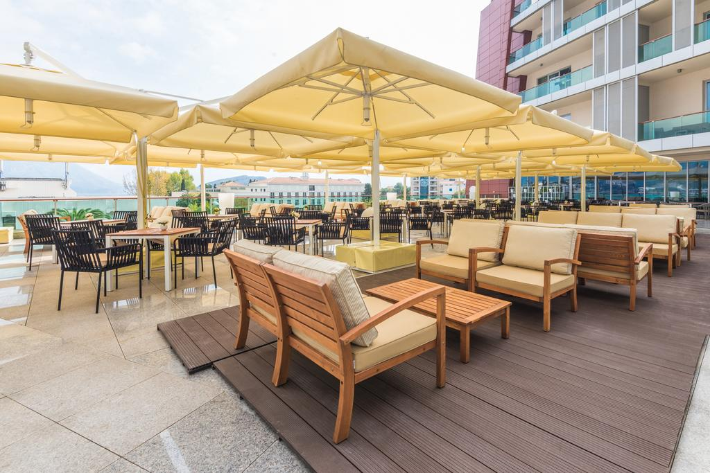 Commercial premises for sale in a 4* hotel in Budva