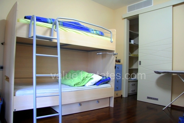 Excellent apartment in TQ Plaza