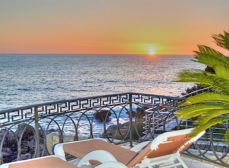 Excellent villa near the sea