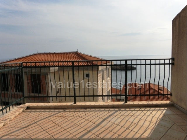 Duplex with view on Sveti Stefan island