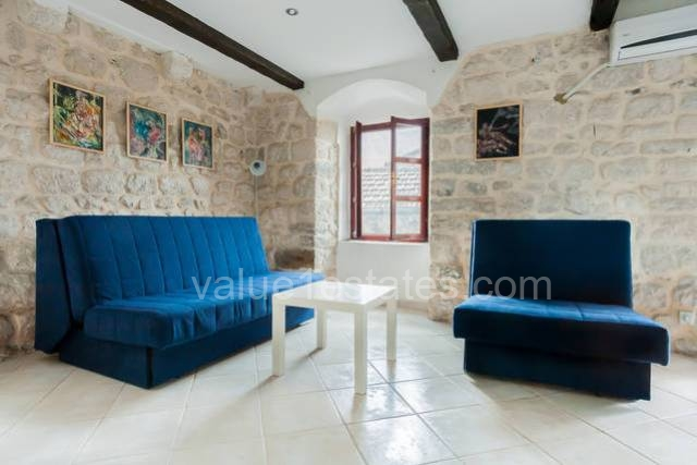 Apartment with private yard in the Old town