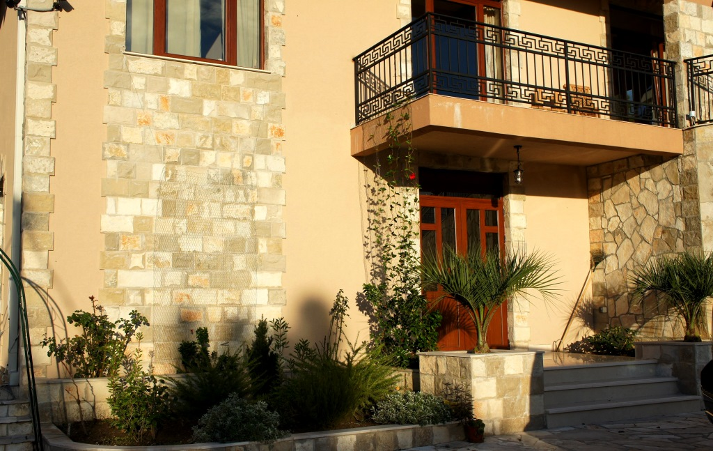 Brand new house with outdoor pool in Zeleni Pojas