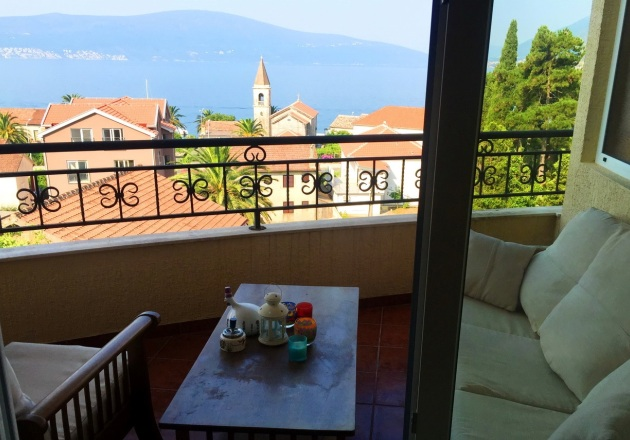 Waterscape apartment in Tivat