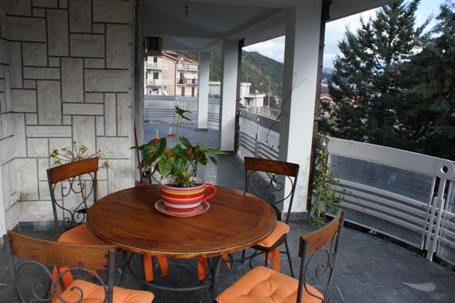 Spacious family house in quiet area of Herceg Novi