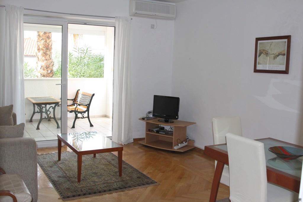 Lovely apartment in upscale resort of Sveti Stefan